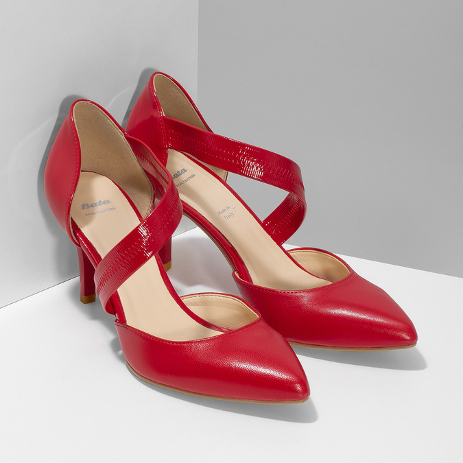 Leather pumps with T-strap bata, red , 724-5904 - 26