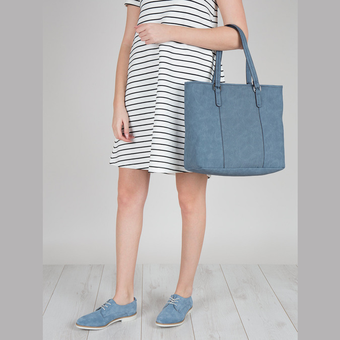 Blue handbag with perforated detail bata, blue , 961-9711 - 17