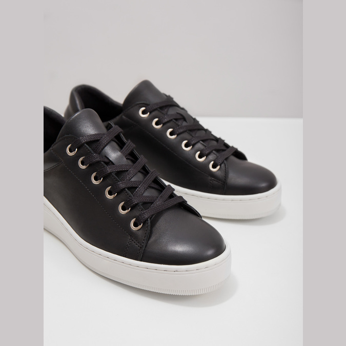 Leather sneakers with a distinctive sole bata, black , 526-6641 - 18